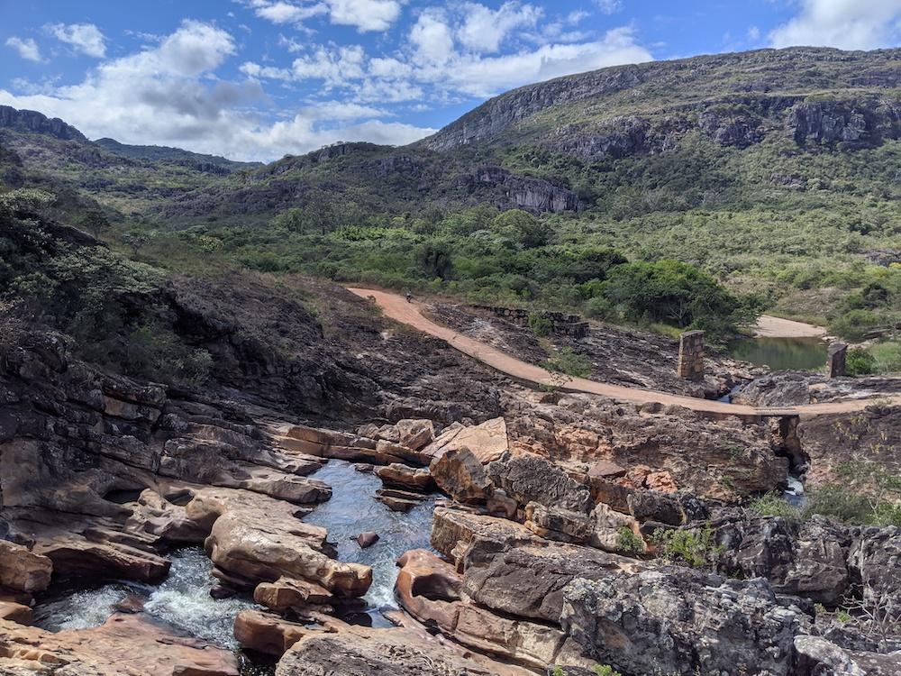 Represa da antiga usina hidrelétrica no Rio Biribiri